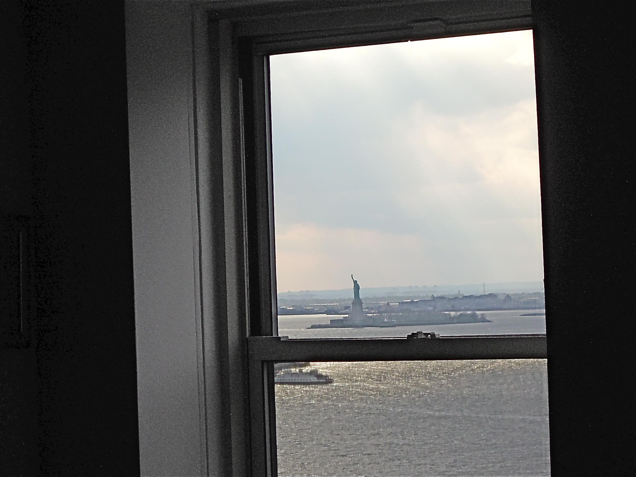 Statue:window